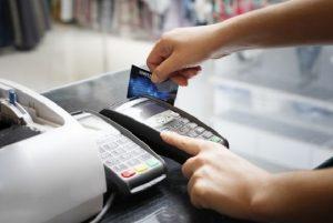 Cách rút tiền mặt từ thẻ tín dụng