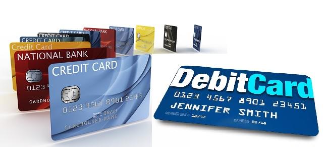 Phân biệt thẻ credit và debit tín dụng ghi nợ ATM